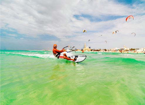 Kite Surfing at Dubai's Kite Beach