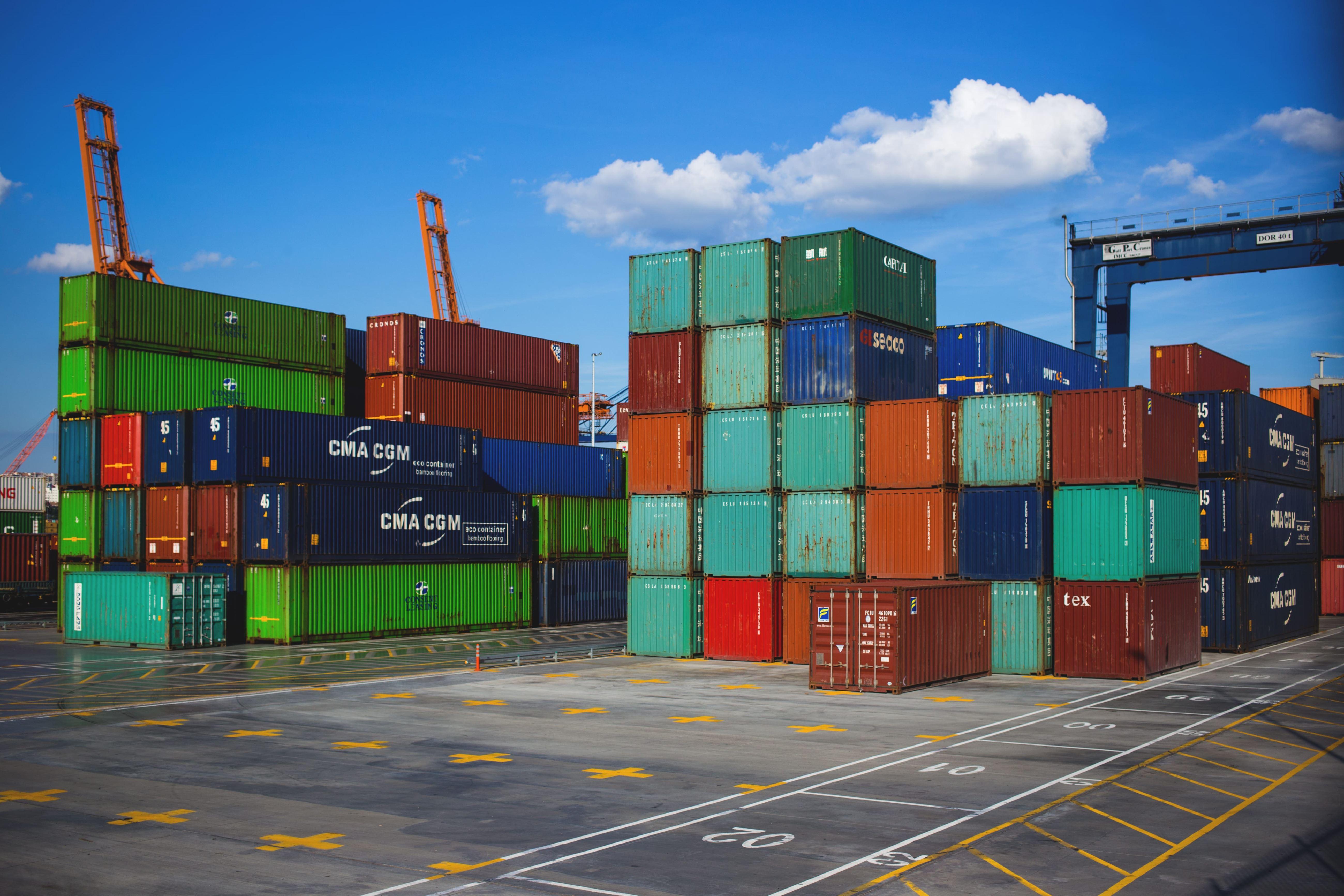 146.7 مليار درهم صادرات وإعادة تصدير أعضاء «غرفة دبي» بالنصف الأول